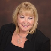 Elaine Carlton